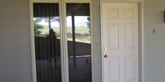 2 Bedroom Smaller Apartment less than 2 miles out of Chadron, NE includes utilities