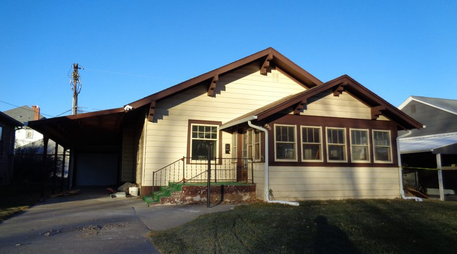 935 Bordeaux St. – Upstairs Unit – Utilities Included – Chadron, NE